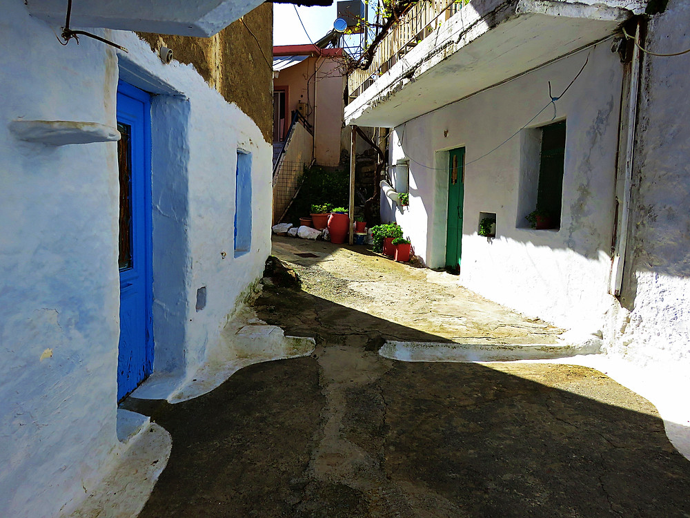 Anogia's winding alleys and whitewashed houses, north Crete