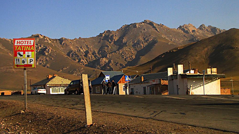 Sary Tash, Pamir Highway, Kyrgyzstan
