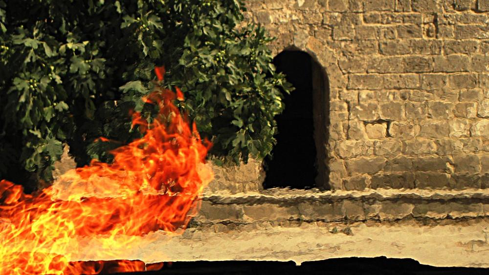Eternal flame at the Atshegar Fire Temple, Baku, Azerbaijan