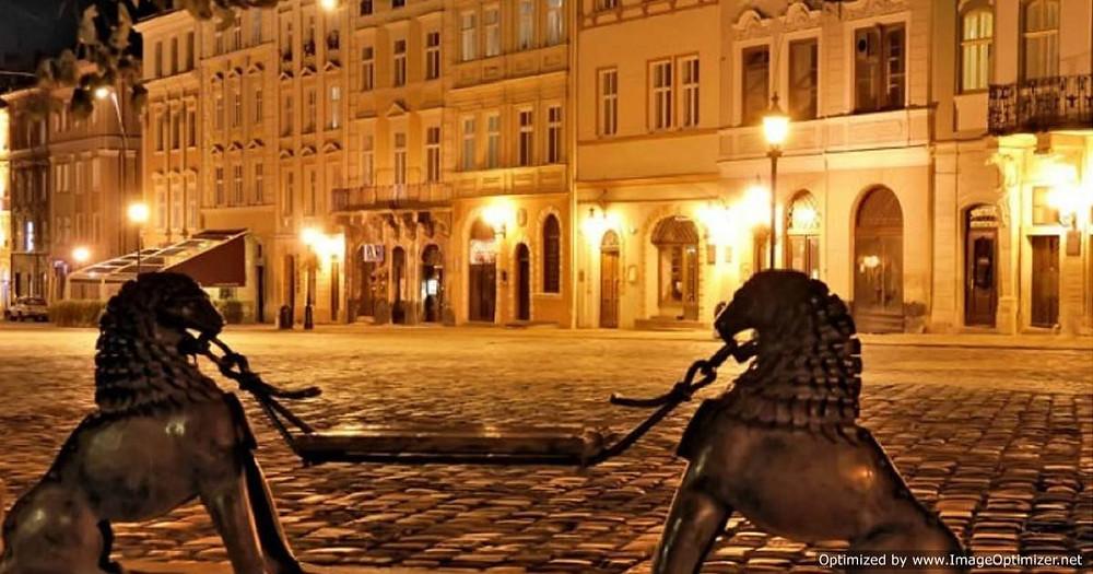 Lviv by night