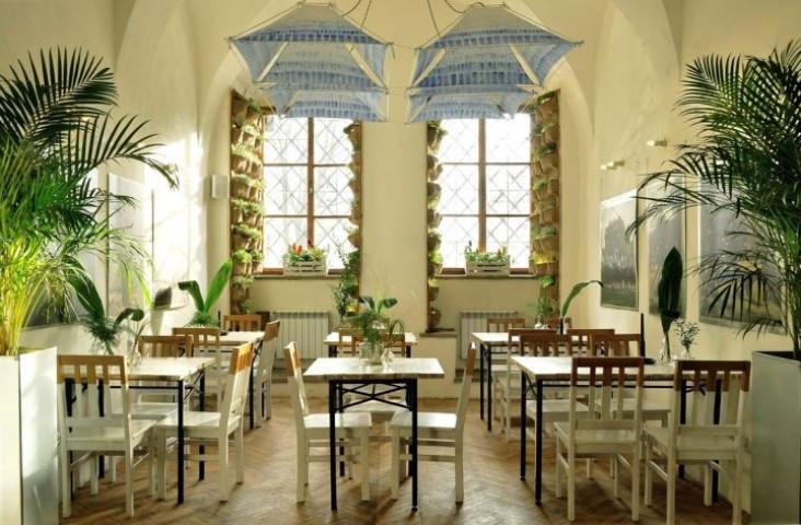 Hamsa restaurant - interior