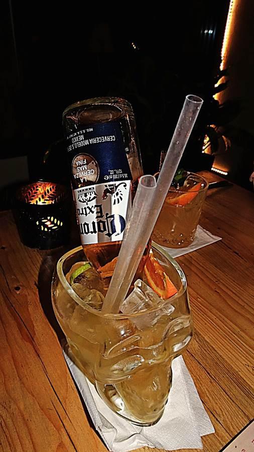 Manzana, Krakow - food and drink