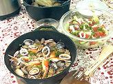 ダッチオーブン料理。野外で食べるとおいしいね!