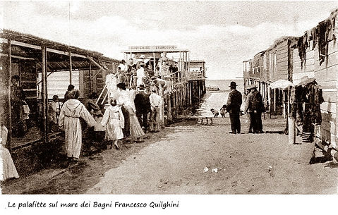 Bagni Francesco Quilghini le palafitte sul mare