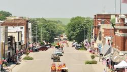 Main street parade on Alumni