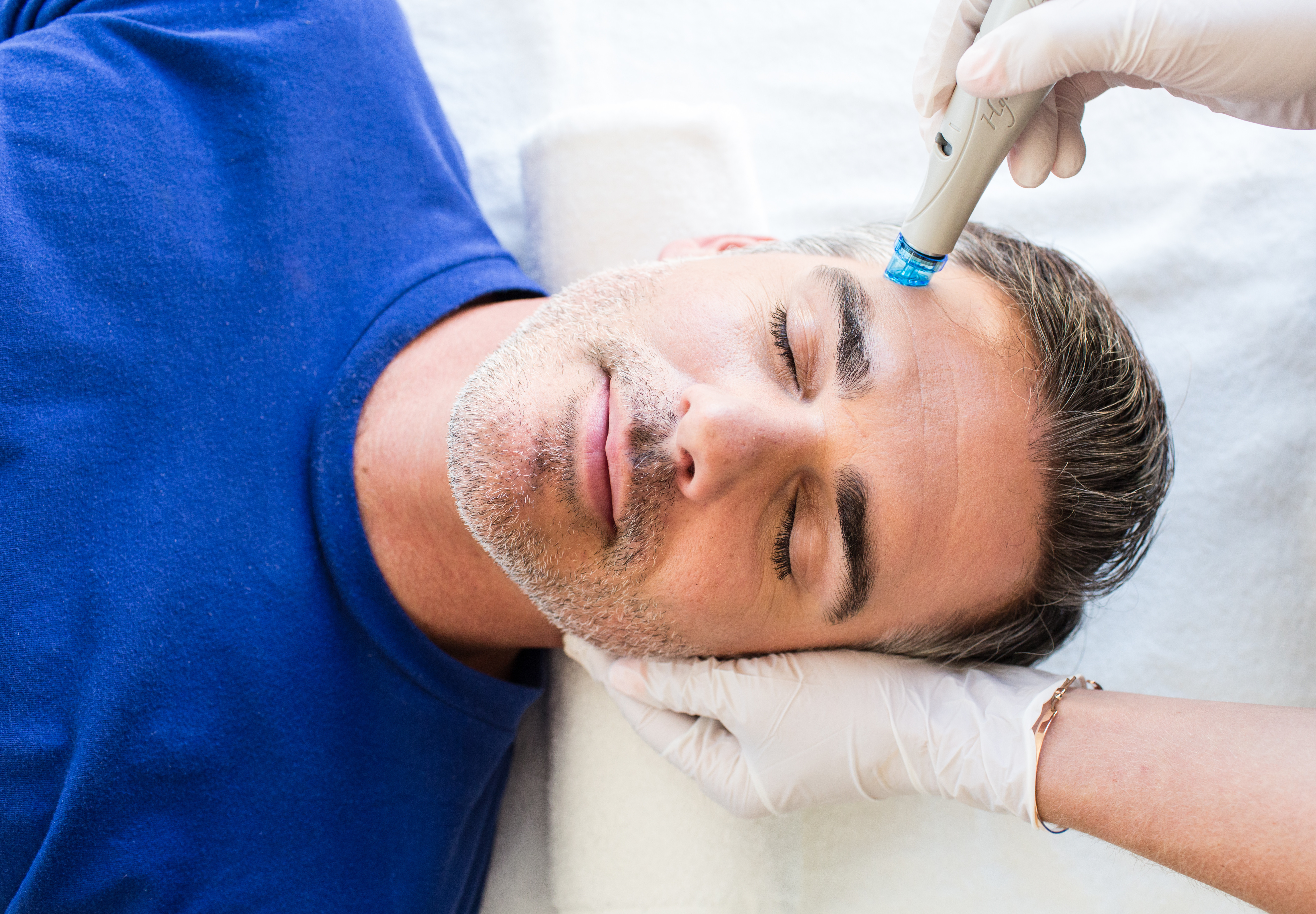 The Signature HydraFacial + Booster