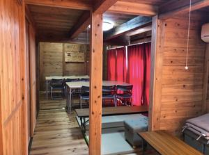 西日本豪雨の木造仮設住宅の内観。杉の内装で落ち着きます。インテリアコーディネーターのブログ
