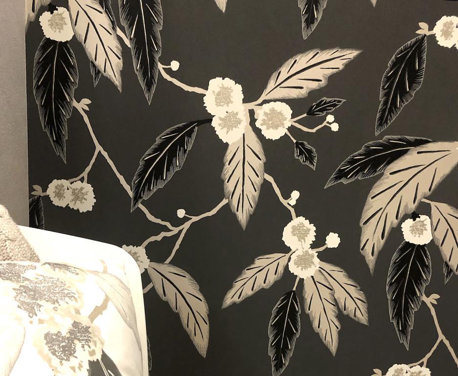 壁紙張替え 実例 花柄の壁紙で寝室のイメージを一新しました。インテリアコーディネーターのブログ