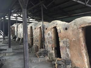 河井寛次郎記念館の登り窯跡。民藝の尊さを感じました。