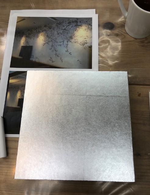 銀のパネルに桜を描いてみました!インテリアコーディネーターのブログ!