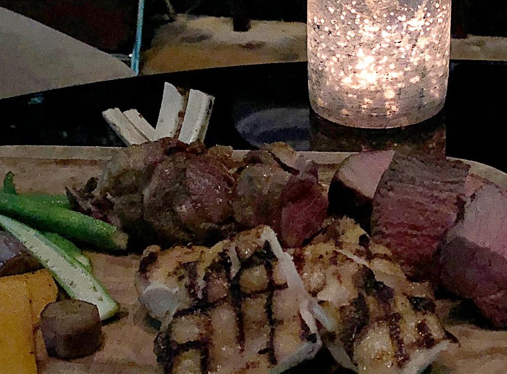 夜景の綺麗なバーで、シャンパンとお肉。インテリアデザイナーのブログです。プリンスタワー紀尾井町のレヴィータ