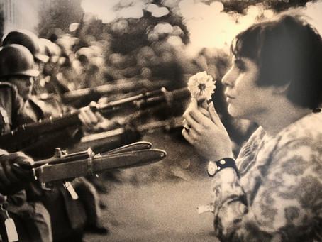 写真展「戦争と花」で涙