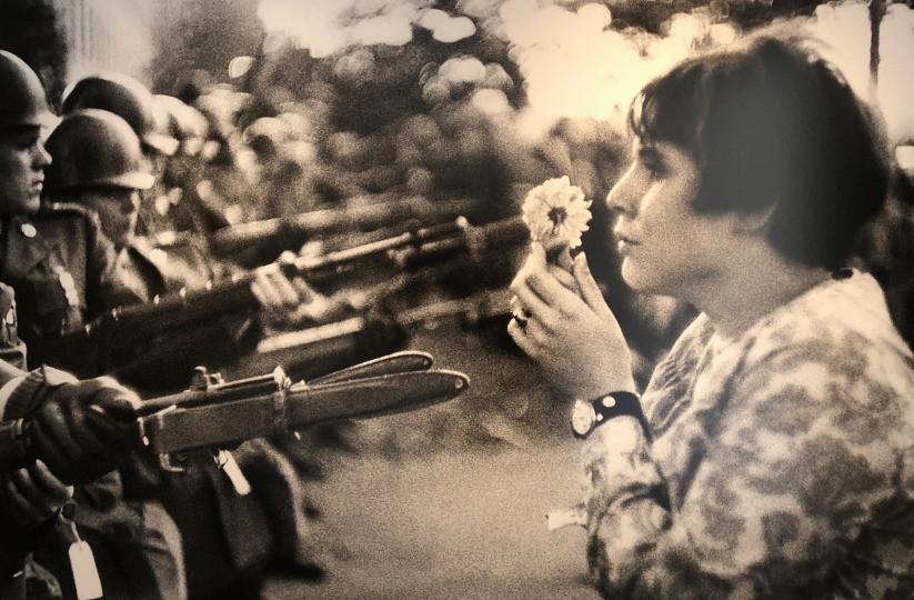 War and Flowers The Mass 戦争と花 写真展 東信