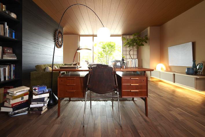 北欧ビンテージの家具にペリアンのチェアー。甲府の住宅展示場のお話。インテリアコーディネーターのブログ