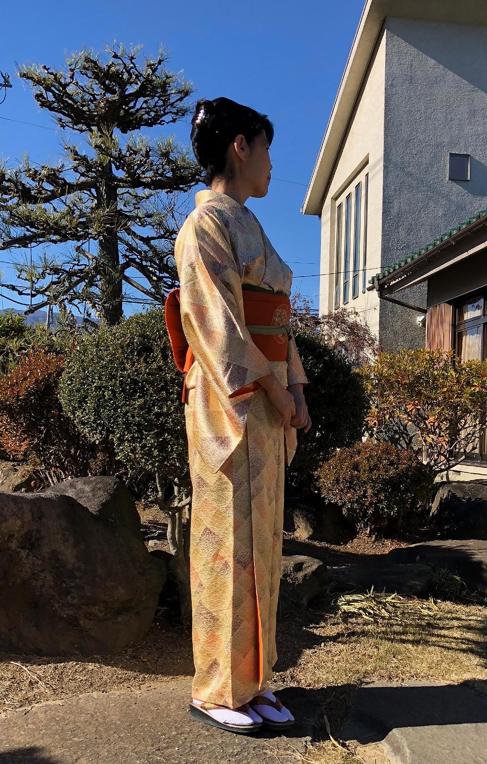 綾子のお着物。母が私の入学式に着た着物を着て見ました。インテリアコーディネーターのブログ。