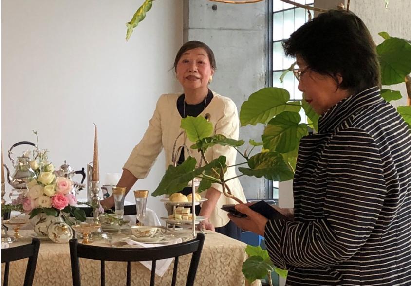 テーブルコーディネートセミナーを開催した米生先生と加藤ゑみ子先生。インテリアコーディネーターのブログ