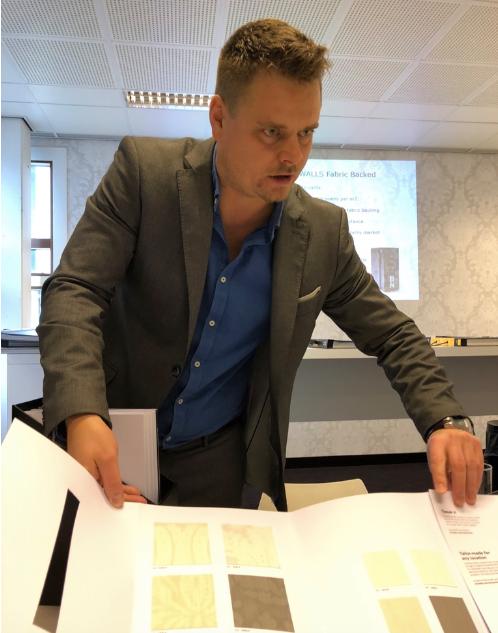 オランダの壁紙BN社にて。インテリアコーディネーターのブログ。