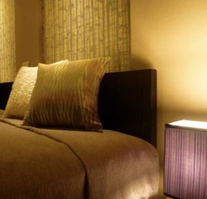 寝室は、最もくつろげる場所。インテリアも大事です。