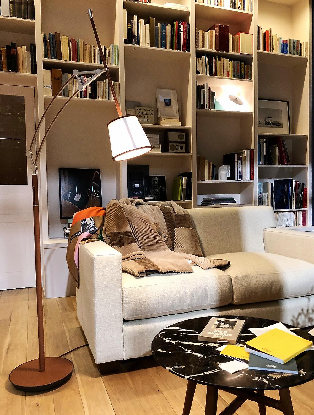 エルメスのインテリア実例。エルメスの家具が素敵なリビング。コーディネーターのブログ。
