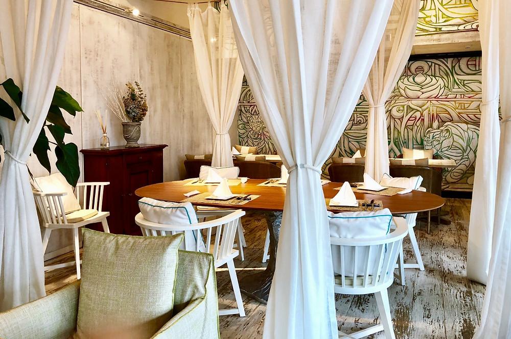 ジェルバゾーニ 白い家具 白いインテリアコーディネート実例 白いカーテン。コーディネーターのブログ。