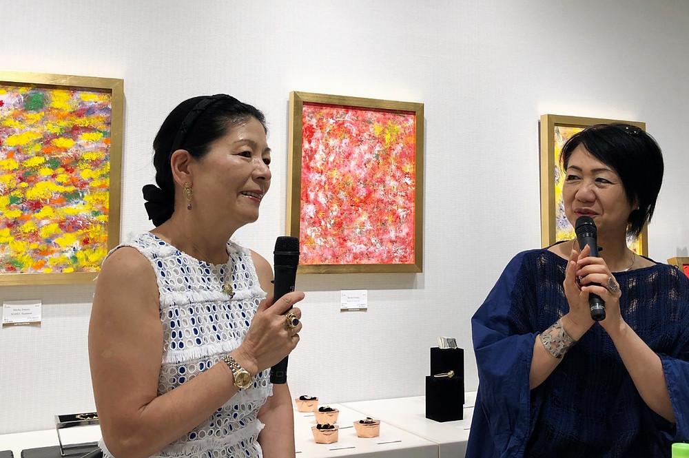 堂園まり子さんと 下田結花さん アート展にて。インテリアコーディネーターのブログ。