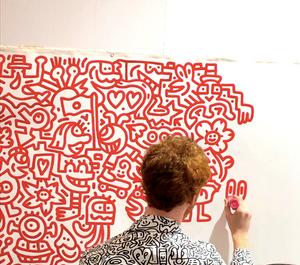 アートの製作風景をアートフェア東京の会場で見せたアーティスト。インテリアコーディネーターのブログ