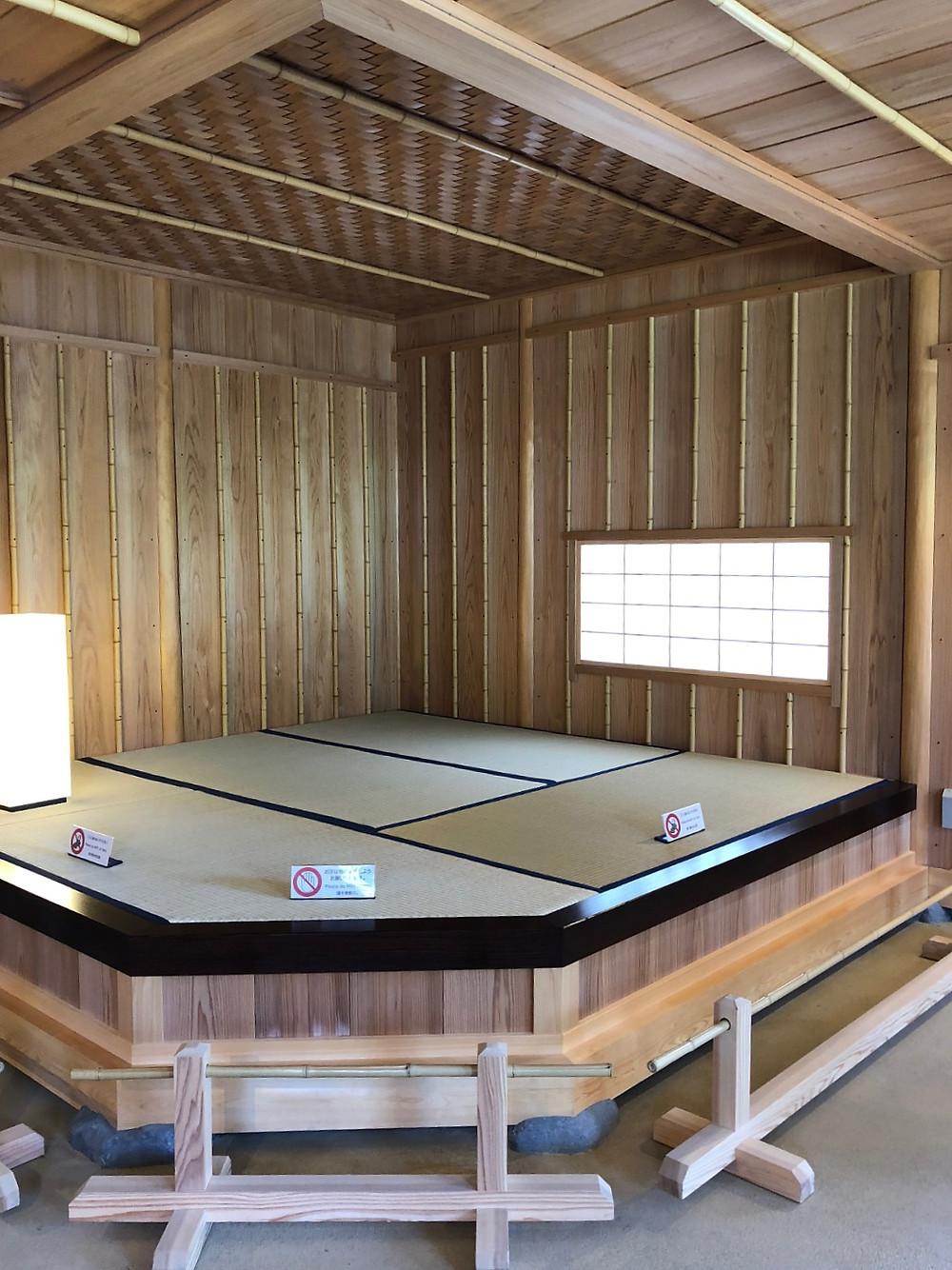 網代天井 拭き漆のかまち たたきの土間 歴史的建築技術 日本の伝統