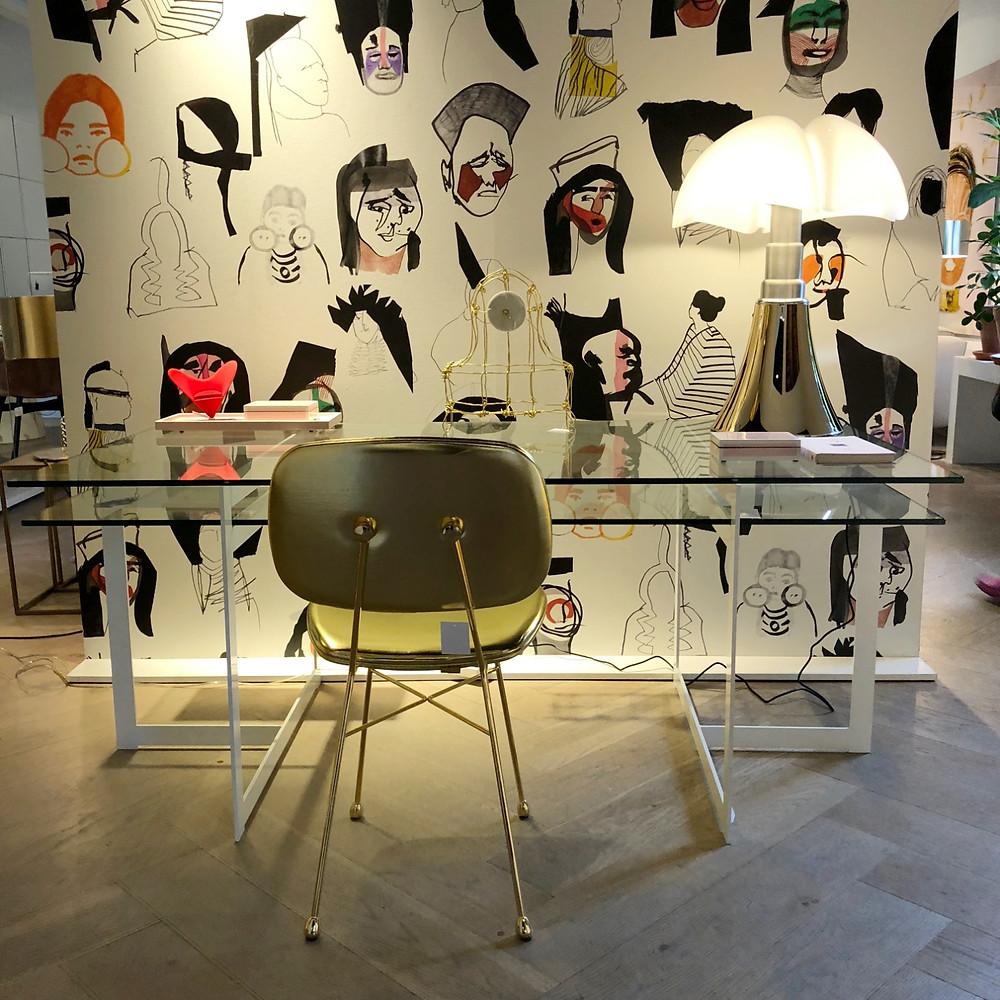 オランダのインテリアのショールーム。moooiにピエールフレイの壁紙が個性的。インテリアコーディネーターのブログ。