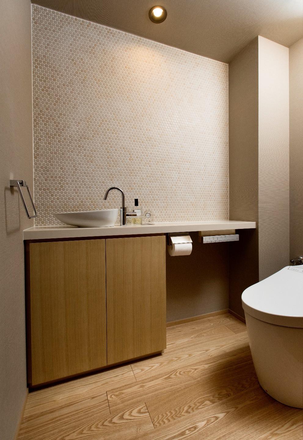 マンションリノベ実例 トイレはTOTO タイルを貼った。リフォーム実体験した本音対談。