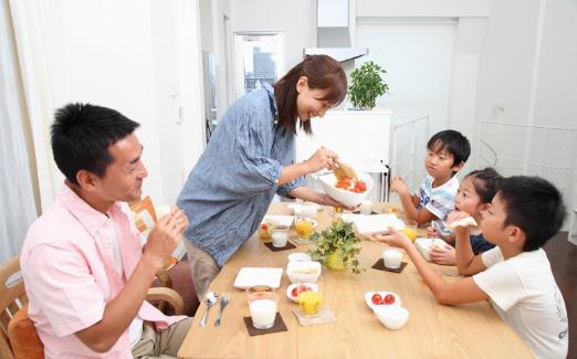 美味しいご飯 家族の料理 ダイニングキッチン 楽しい料理
