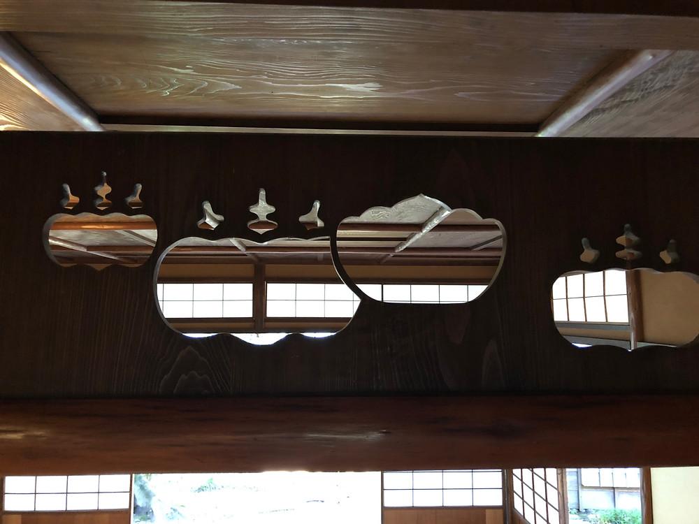 明治時代の茶室の欄間。京都裏千家ゆかりのデザイン。インテリアコーディネーターの旅ブログ。