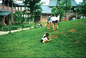 子供のための建築に大切なことを、象設計集団の富田玲子氏に聞いた。インテリアコーディネーターのブログ。