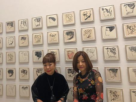 「コシノヒロコ 中原淳一へのオマージュ」展にて。