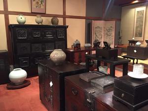 李朝家具の店。パンダジや、李朝の陶磁器が揃ってます。インテリアコーディネーターのブログ
