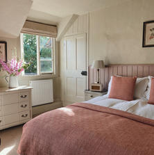 10) Cross Lane House_Pluck Room .JPG
