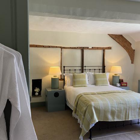 2) Cross Lane House _ Fry Room 1 .JPG