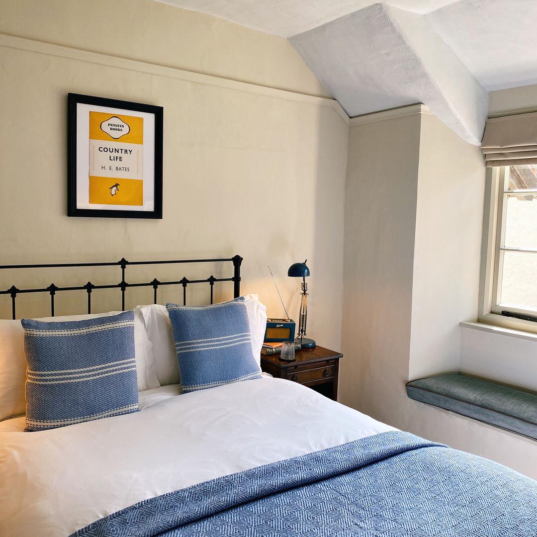 5) Cross Lane House _ Court Room bed.JPG