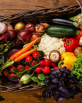 vegetables-veggies-in-basket-dreamstime_