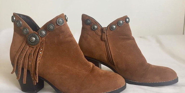 Zoom brown ankle boots