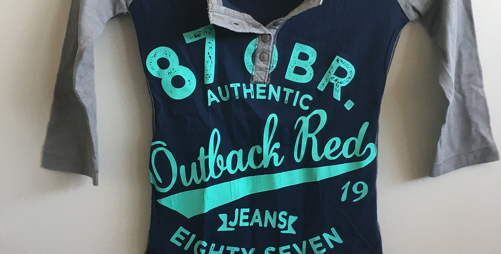 outback red mid sleeve blue/grey top
