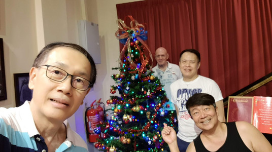 Setting up the Christmas tree_