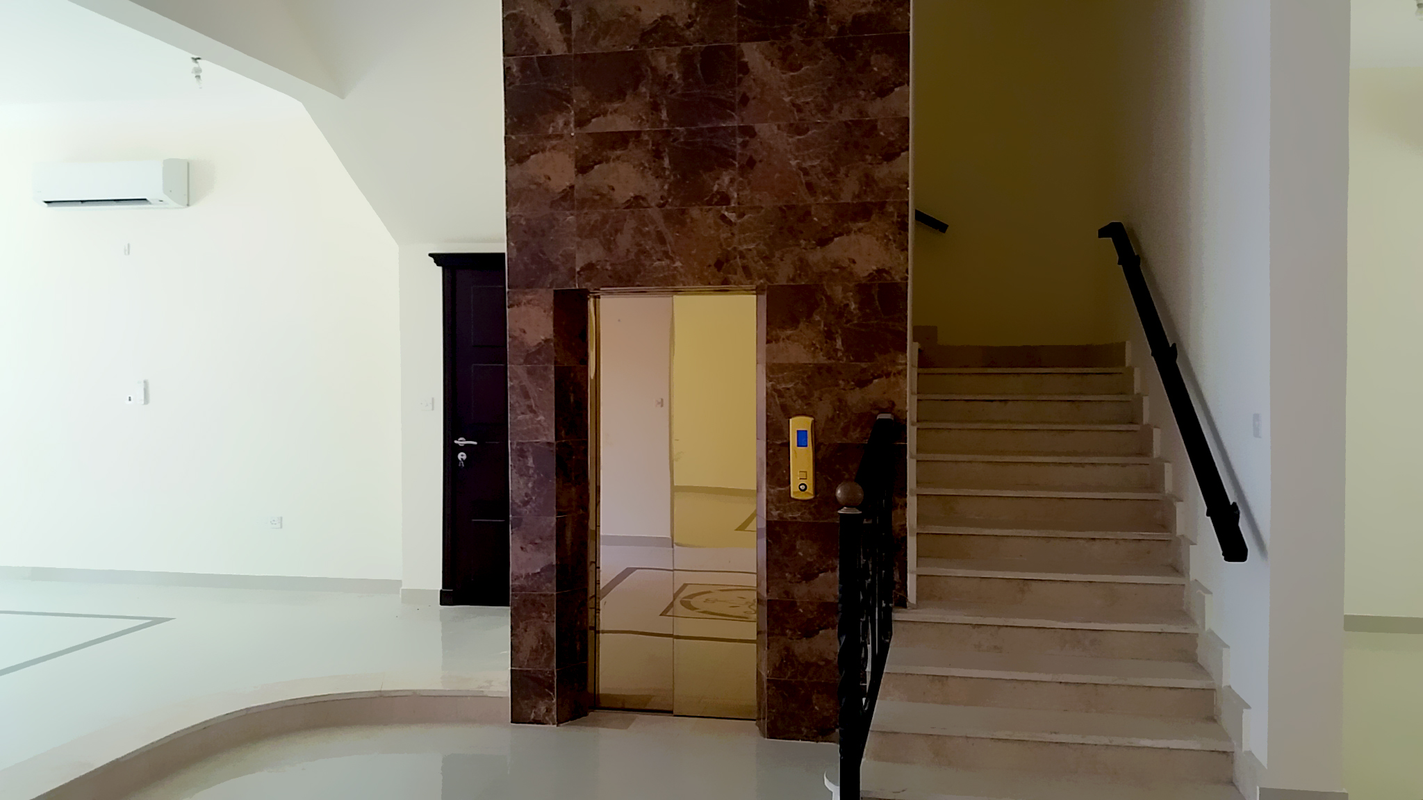 Lift  & Stairs