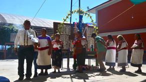 """""""AMLO y los otomíes de San Pablito, Pahuatlán"""" Ociel Mora"""