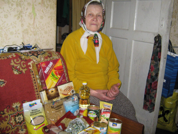 MPI food bags give enough food for 2 weeks for an elderly person living alone