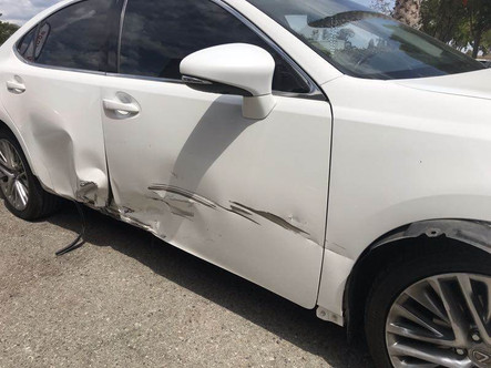 Damage to the right side of the car.