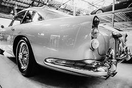 87233269_xl-rear-vew-of-car.jpg