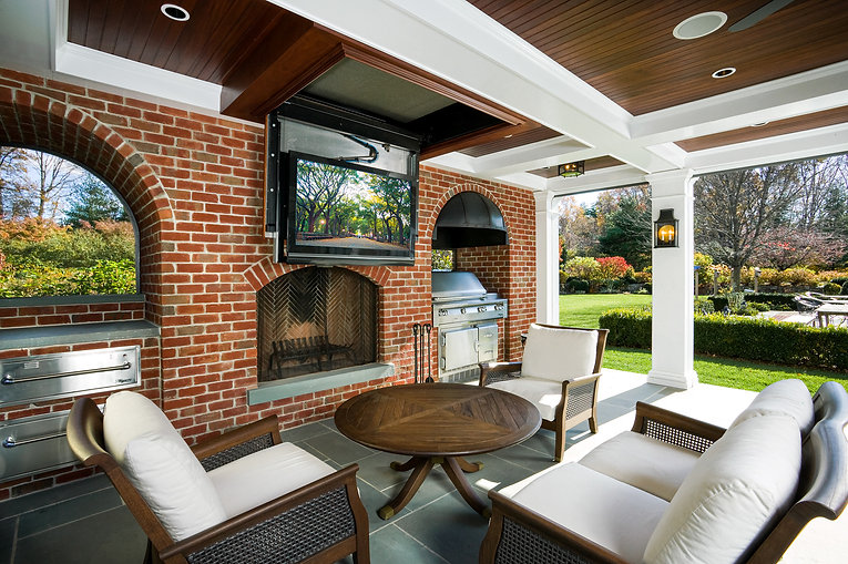 Outdoor TV and Entertainment