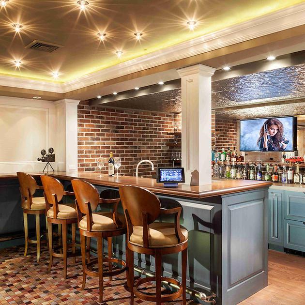 Bar & Billards