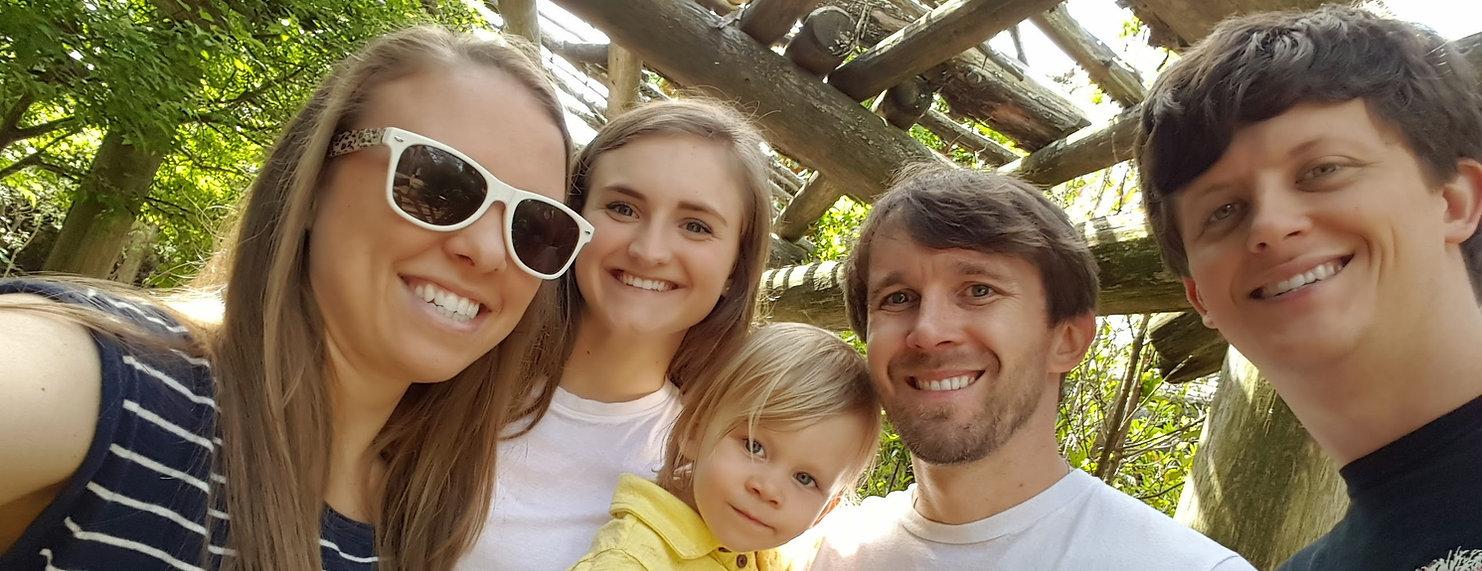 Host_family_slider3.jpg