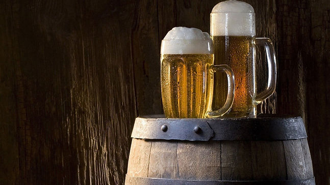 Craft Beer in Glass ono Barrel